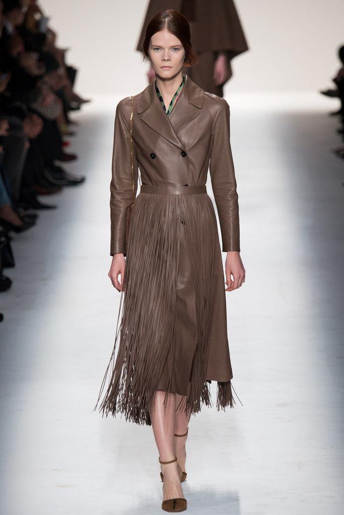 falda flecos abrigo valentino1