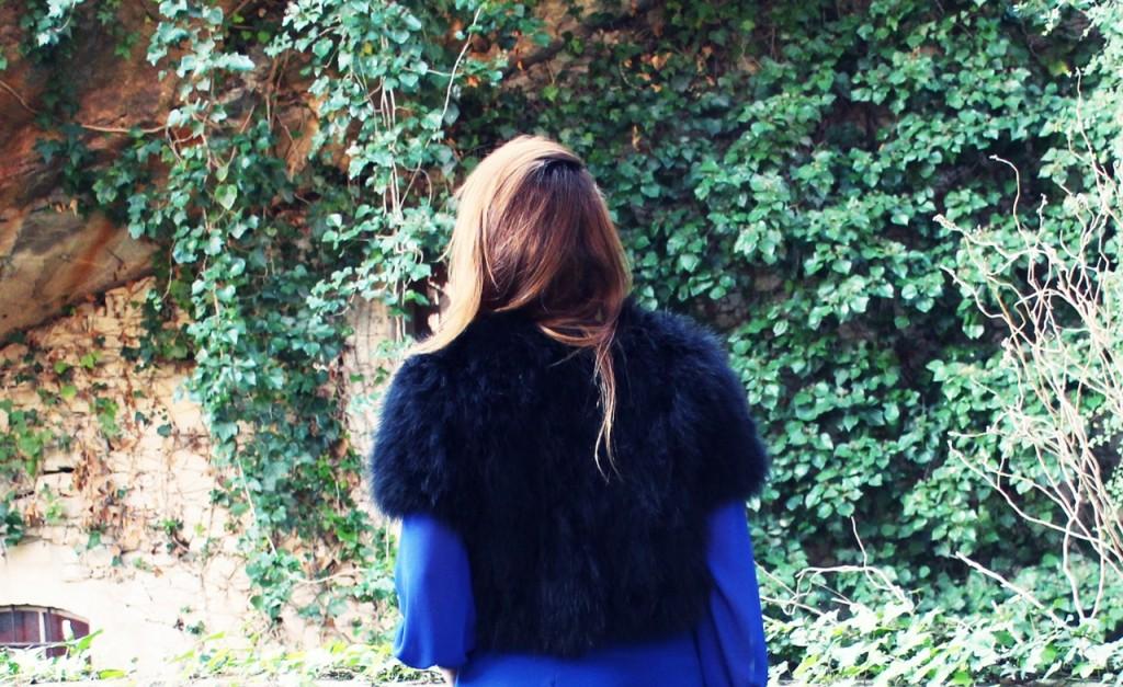 mono azul klein